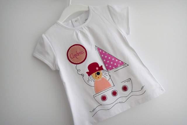 camiseta artesanal personalizada a mano pirata chico y pirata chica-001