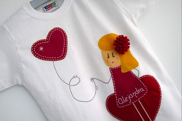 camiseta fieltro personalizada artesania hecho a mano nina enamorada-004