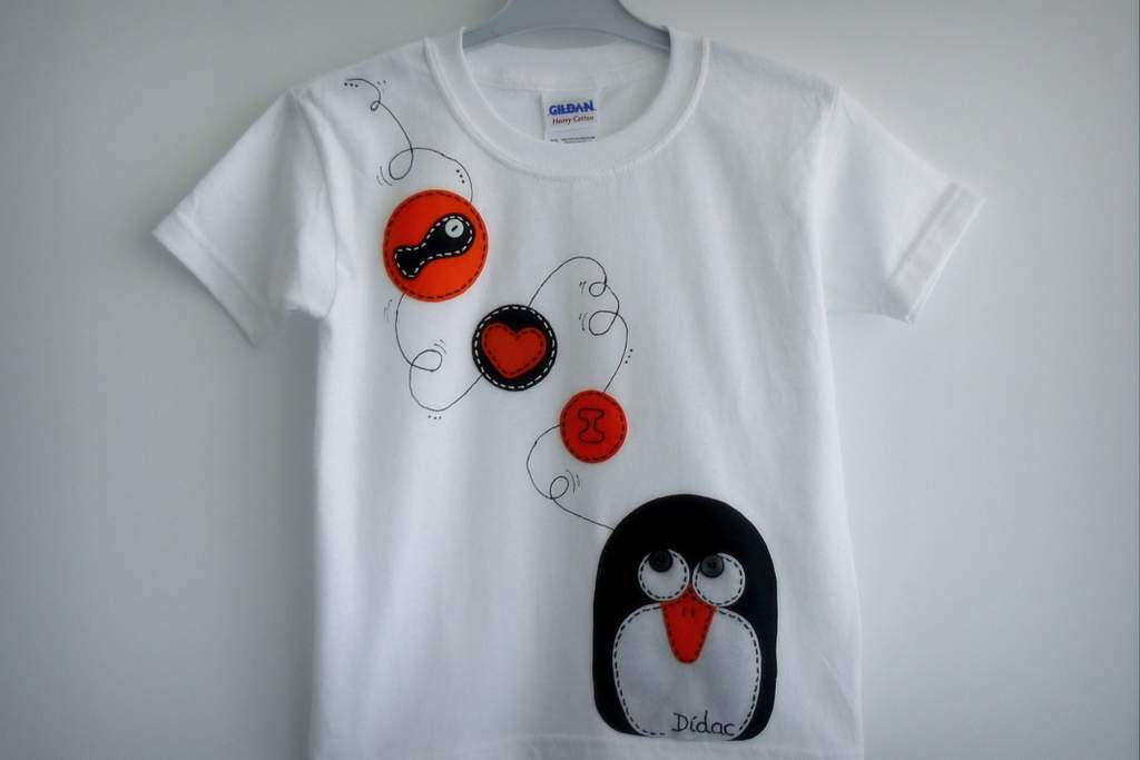 camiseta fieltro personalizada artesania hecho a mano penguin love 003