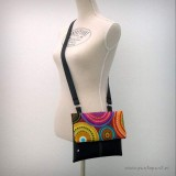 bolso lateral sideway en stock hippy and black-001