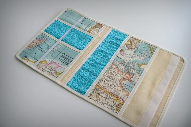 funda para documentacion de viaje artesanal mapamundi