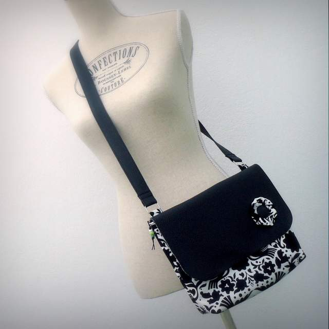 bolso bandolera para mujer ligero artesanal personalizado-006