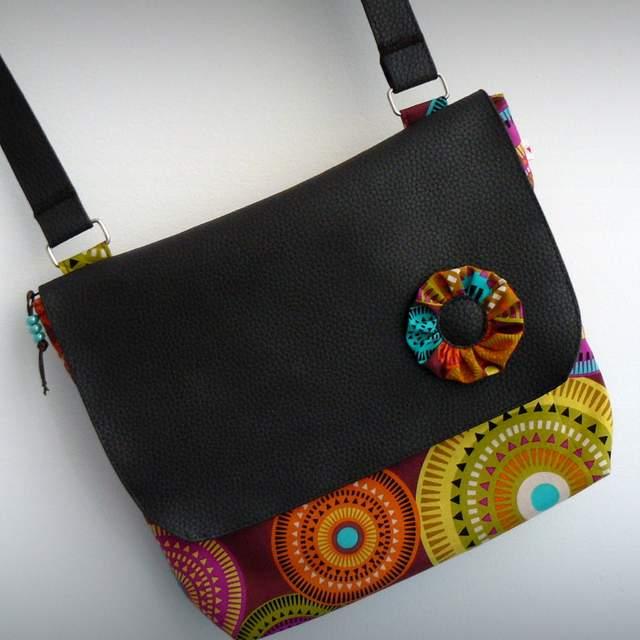 bolso bandolera para mujer ligero artesanal personalizado-008