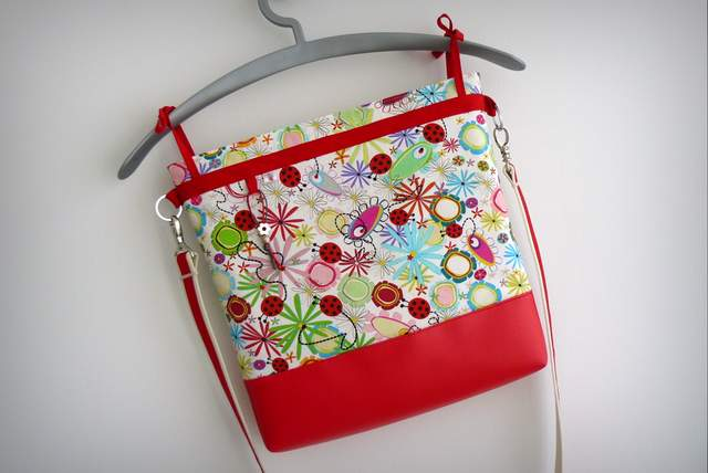 bolso para sillita de paseo infantil auxiliar plus spring rojo-008