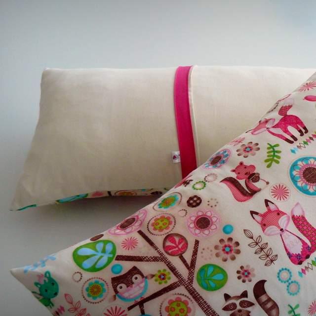 cojin y almohada personalizada para habitación infantil artesanal 003