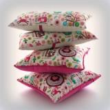 cojin y almohada personalizada para habitación infantil artesanal 004