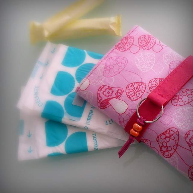 neceser intimo artesanal mujer para bolso -011