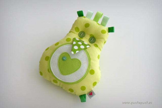 peluche-personalizado-artesanal-fluffy-en-tonos-verde-punt-a-punt