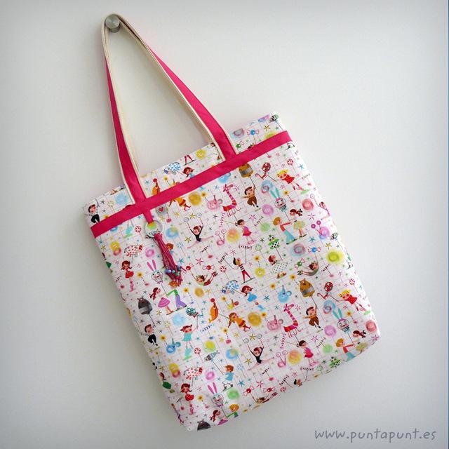 set-de-bolso-dos-asas-y-toalla-color-personalizado-punt-a-punt