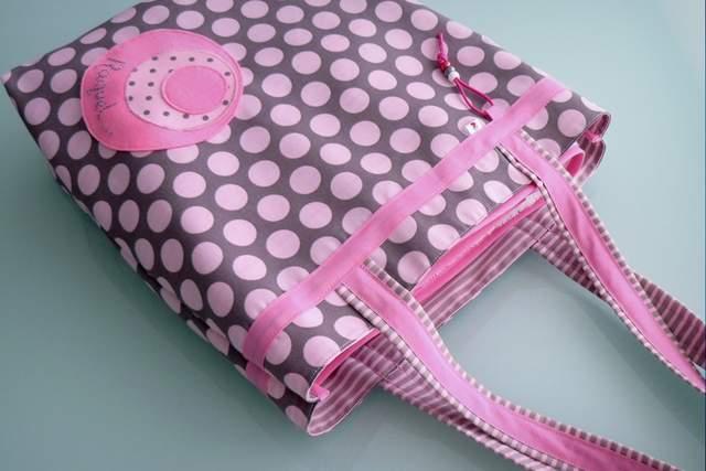 set de bolso y toalla para chica personalizado artesanal-001