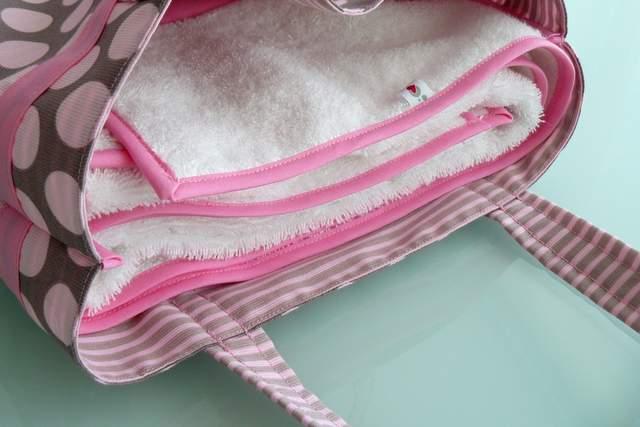 set de bolso y toalla para chica personalizado artesanal-002