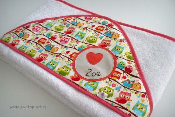 toalla capa infantil personalizada artesanal punt a punt