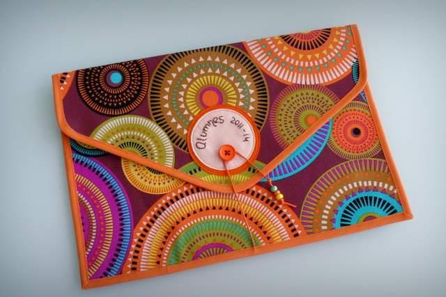 bolso y carpeta a juego personalizado artesanal punt a punt