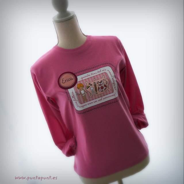 camiseta fallera personalizada artesanal de color rosa punt a punt