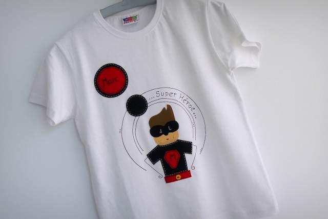 camiseta super heroe personalizada artesanal punt a punt-001