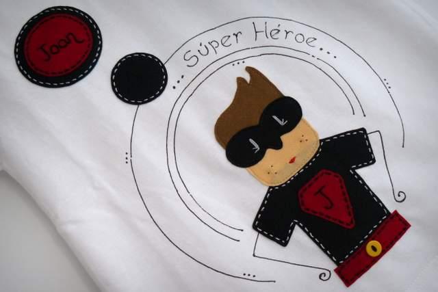 camiseta super heroe personalizada artesanal punt a punt-003