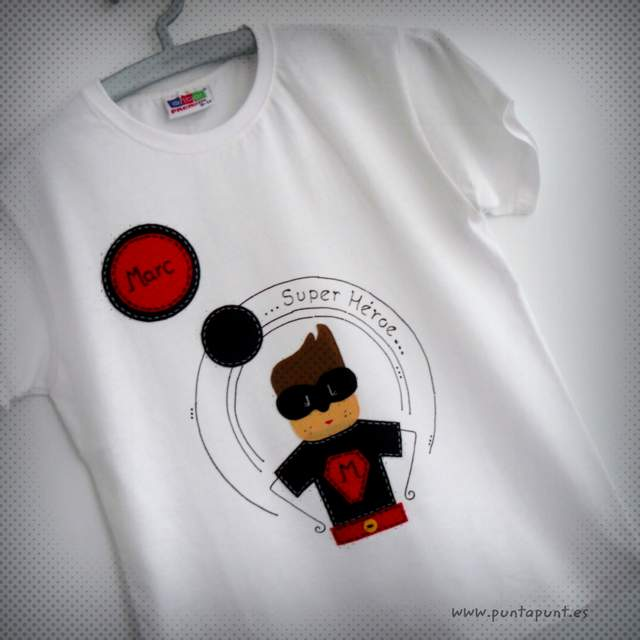 camiseta super heroe personalizada artesanal punt a punt
