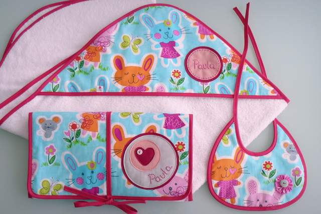 set para bebe con capa de bano ducha personalizado artesanal-009