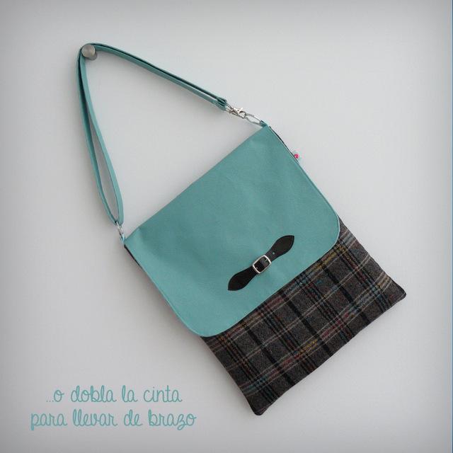 bolso-basico-4por4-con-solapa-escoces-simil-turquesa-punt-a-punt-002