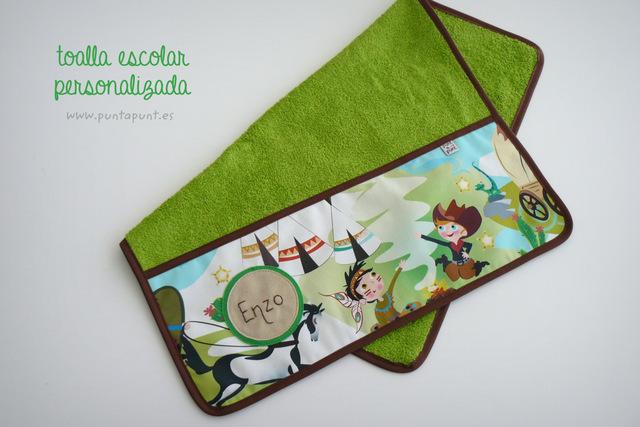 toalla-escolar-de-color-personalizada-punt-a-punt