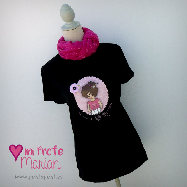 camiseta personalizada negra nicca profesora rosa punt a punt