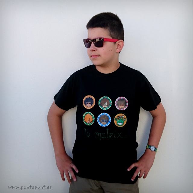camiseta personalizada be yourself negra modelo marc punt a punt