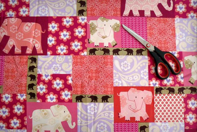 elefante hindu rosa
