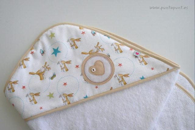 "capa de baño bebé ""Rabbit white"" – en stock"