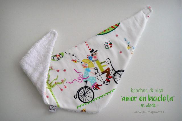 "Bandana con rizo ""El amor en bicicleta"" – en stock"