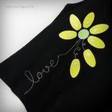 camiseta artesanal personalizada negra margarita love verde punt a punt-001