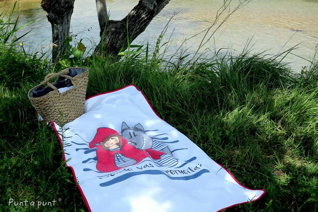 toalla de playa caperucita y el lobo rizo algodon punt a punt-010