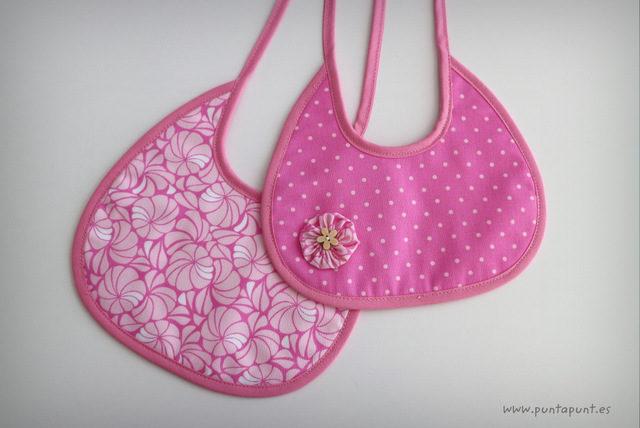 "Pack 2 baberos surtidos ""Pampa rosa"" – en stock"