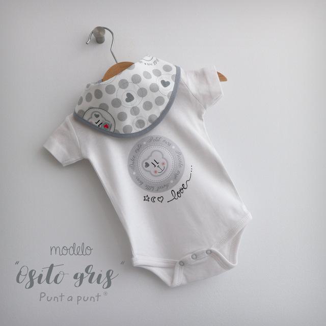 body personalizado de bebe con bandana a juego reversible punt a punt-011