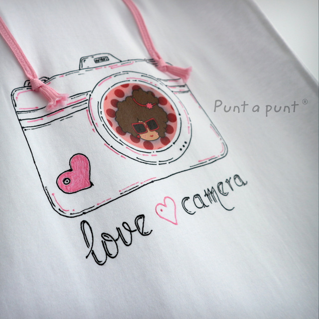camiseta artesanal personalizada love camera punt a punt-002