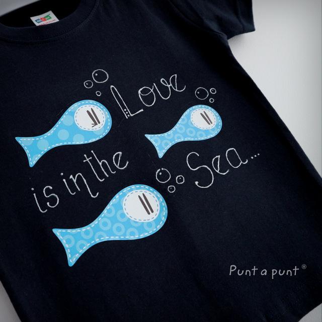 camiseta artesanal personalizada love is in the sea punt a punt-001