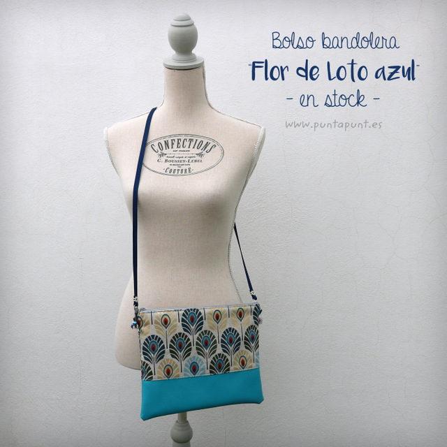 Bolso bandolera o de mano «Flor de Loto azul» – en stock