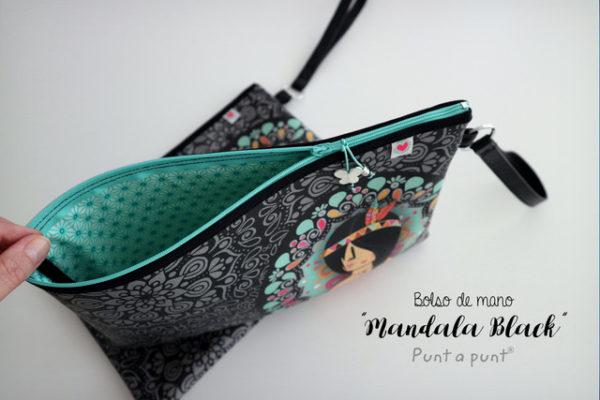 Bolso de mano o funda para tablet «Mandala Black» – en stock