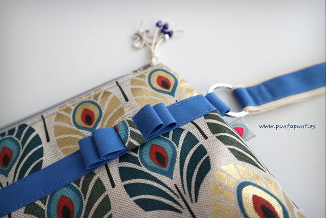 bolso de mano o neceser flor de loto stock puntapunt-003