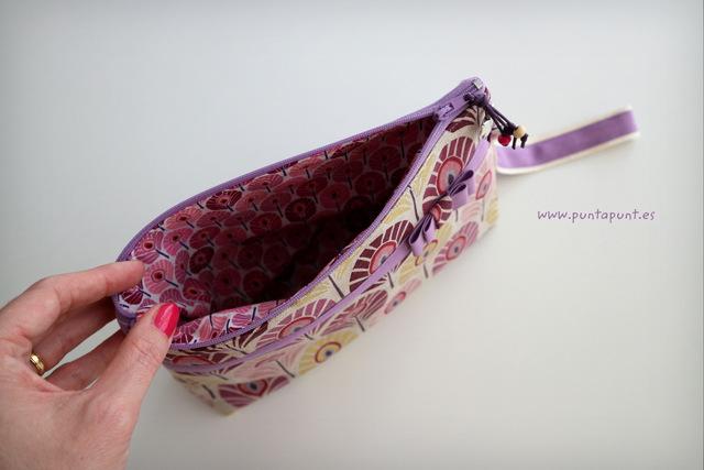 bolso de mano o neceser flor de loto stock puntapunt-005