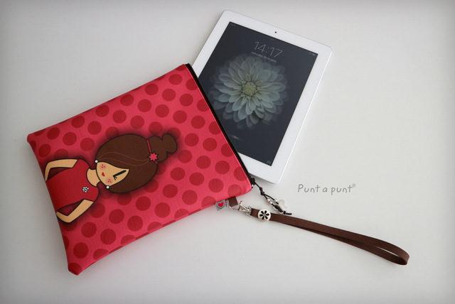 Bolso de mano o funda para tablet «Pepetta» – en stock