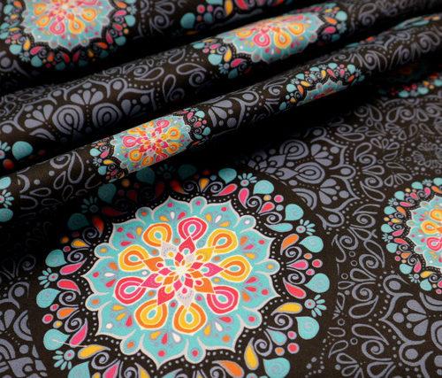 detalle textil mandala black punt a punt