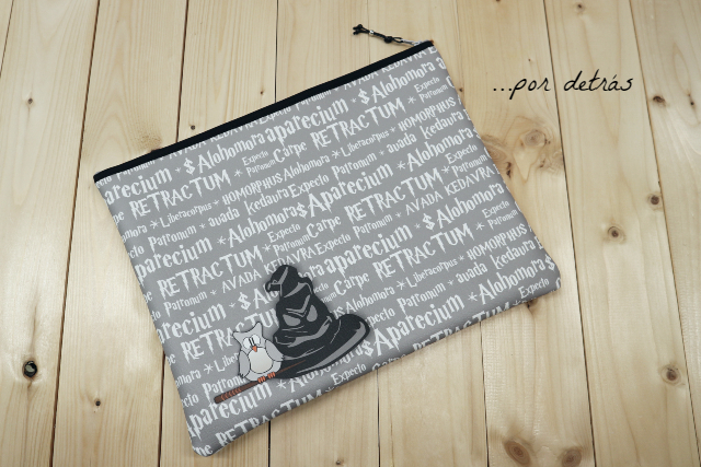 Funda carpeta para A4 «Pepet Potter» símil piel