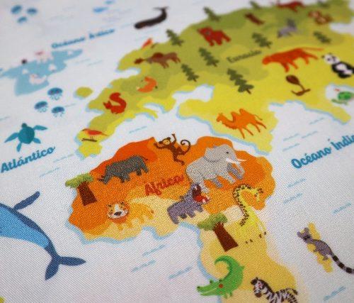 mapamundi animales estampado algodon detalle